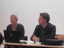 Prof. Dr. Getraude Krell und Andreas Merx sitzen nebeneinander