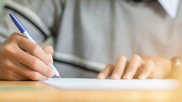 Umfrage Fragebogen Prüfungsbogen Schule Studium